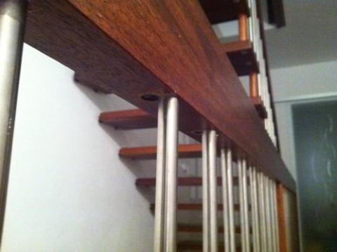 Treppe Metallstaebe