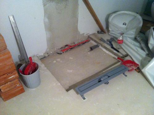 Aussparung im Estrich für eine bodengleiche Dusche