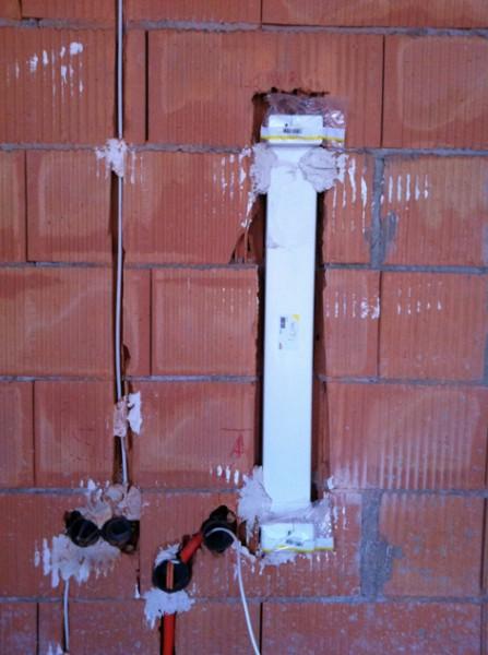 """""""TV Wand"""" - Strom, Satkabel und ein Kanal für alle Kabel zu Fernseher"""